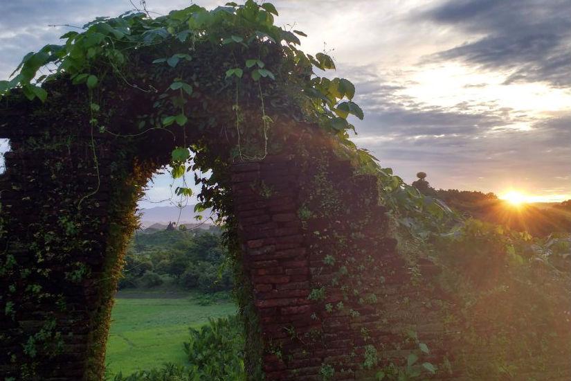 Sunrise in Mrauk-U